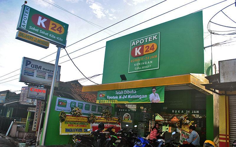 Apotek K-24 Jakarta Barat